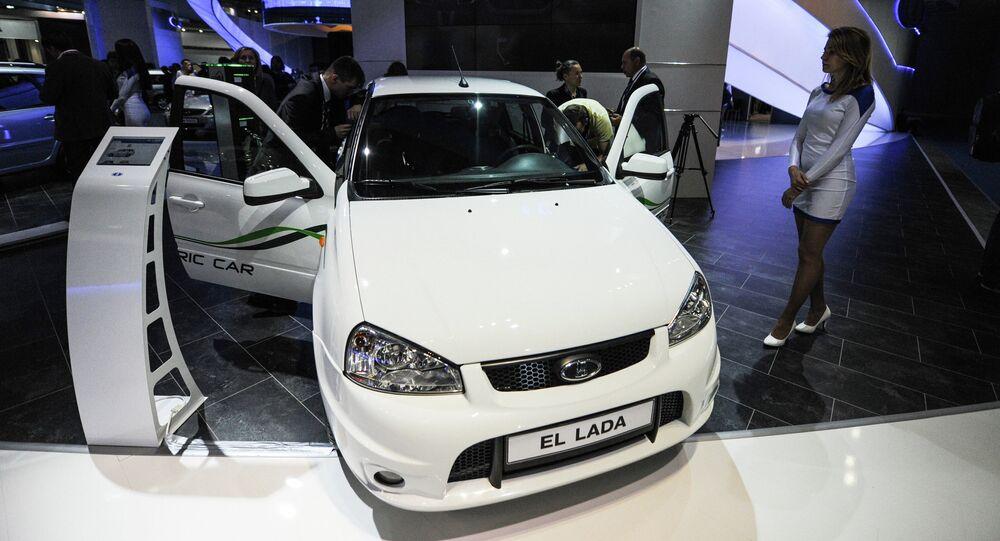 Le modèle EL LADA d'AutoVAZ lors du Salon international automobile de Moscou en 2012