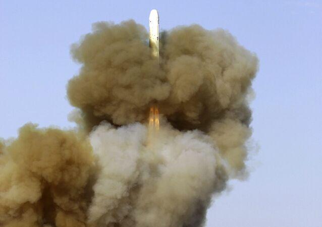 Tir d'un missile balistique RS-18