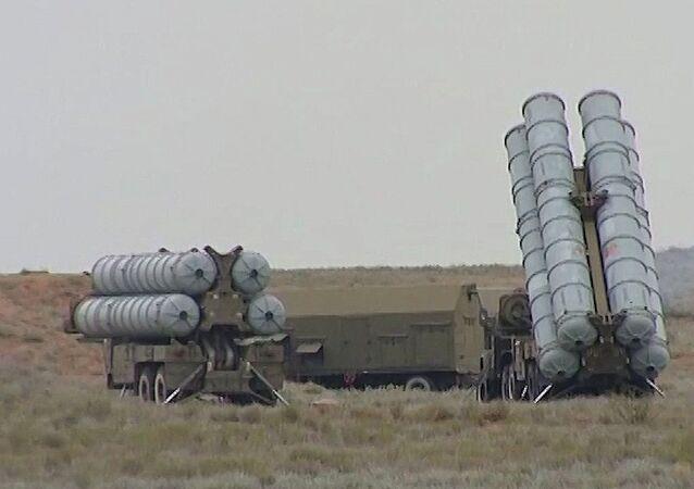Des missiles S-300 en action en Russie