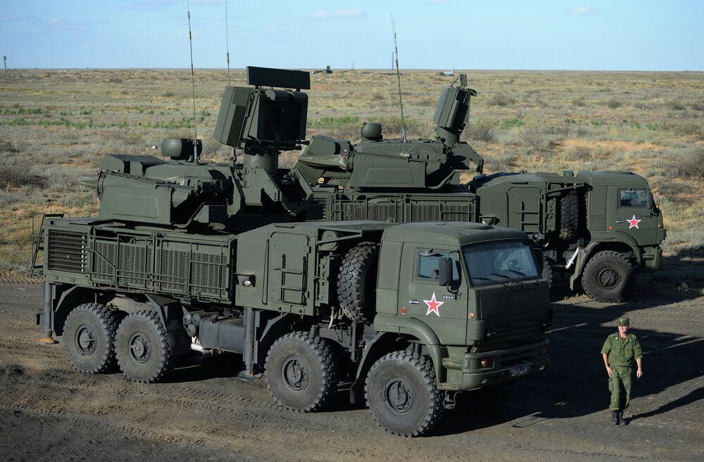 Un système de missiles sol-air de moyenne portée Pantsir-S1