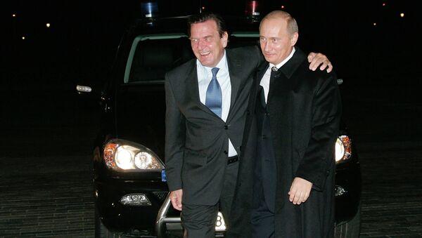 Allemagne: Schröder fidèle à son amitié avec Poutine - Sputnik France