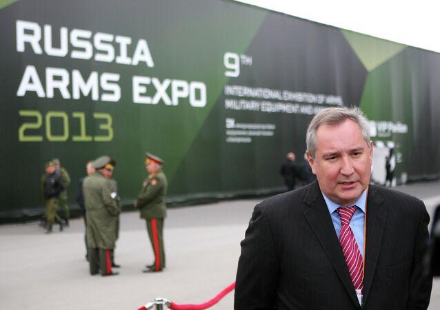 Dmitri Rogozine lors du 8e Salon d'armements Russia Arms Expo-2013 à Nijni Taguil (Oural)
