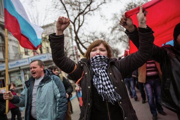 Manifestation pro-russe à Simferopol - Sputnik France