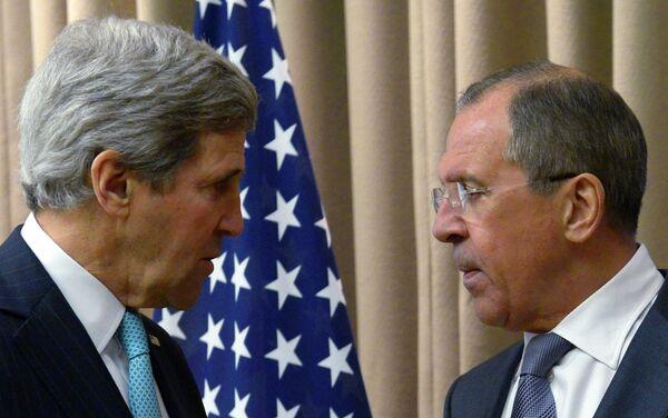 Le ministre russe des Affaires étrangères Sergueï Lavrov et son homologue américain John Kerry (Archive) - Sputnik France