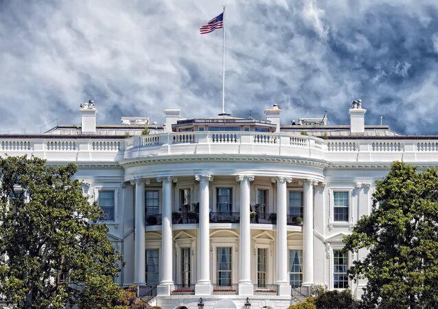 La Maison Blanche «n'exclut pas» des frappes contre l'armée syrienne