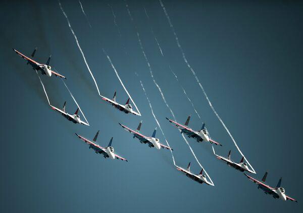 Празднование дня рождения пилотажных групп Стрижи и Русские Витязи
