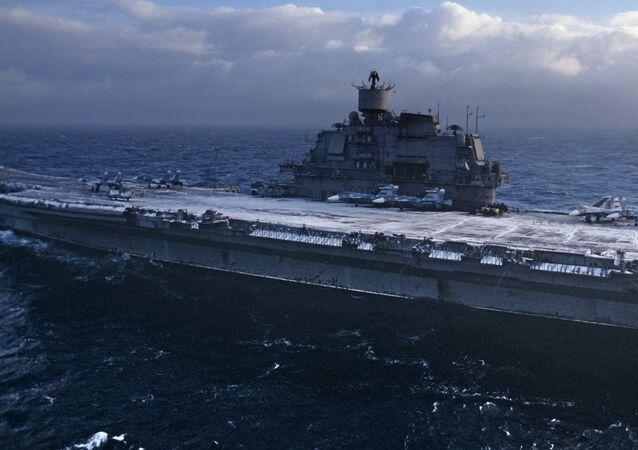 Le porte-avions Admiral Kouznetsov
