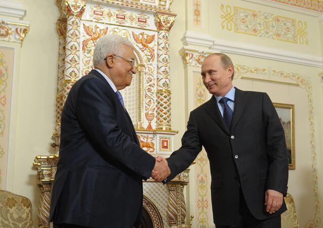 Vladimir Poutine et Mahmoud Abbas. Archive photo