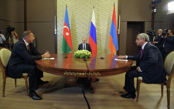 Serge Sargsian, Vladimir Poutine et Ilham Aliev - Sputnik France