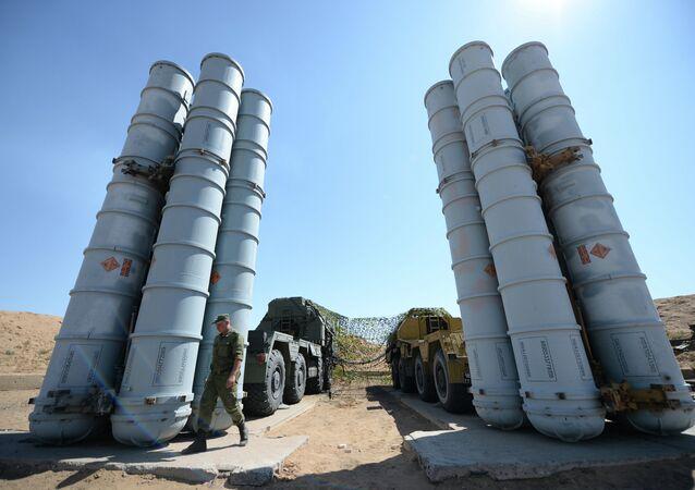 Systèmes antiaériens russes S-300