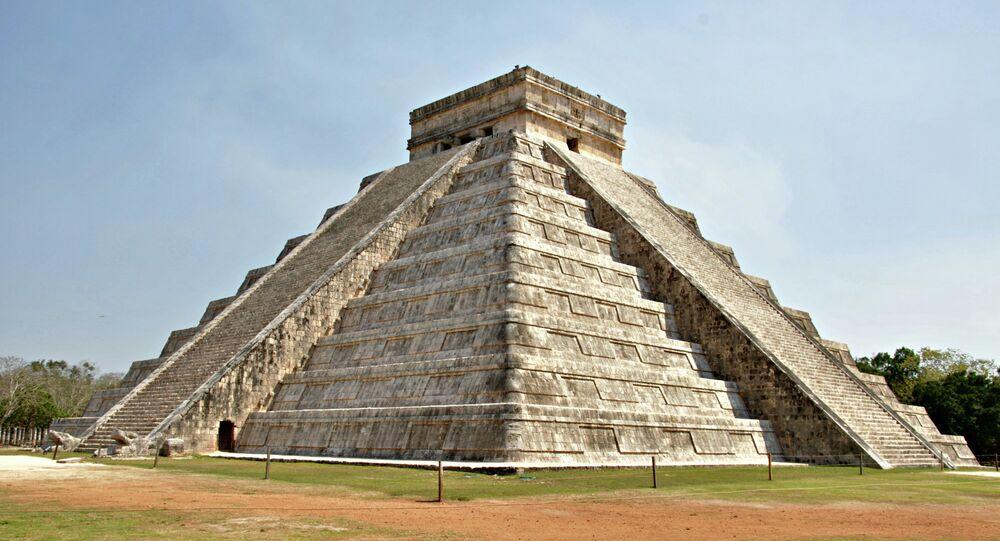 Un jeune Canadien découvre une cité maya grâce aux étoiles