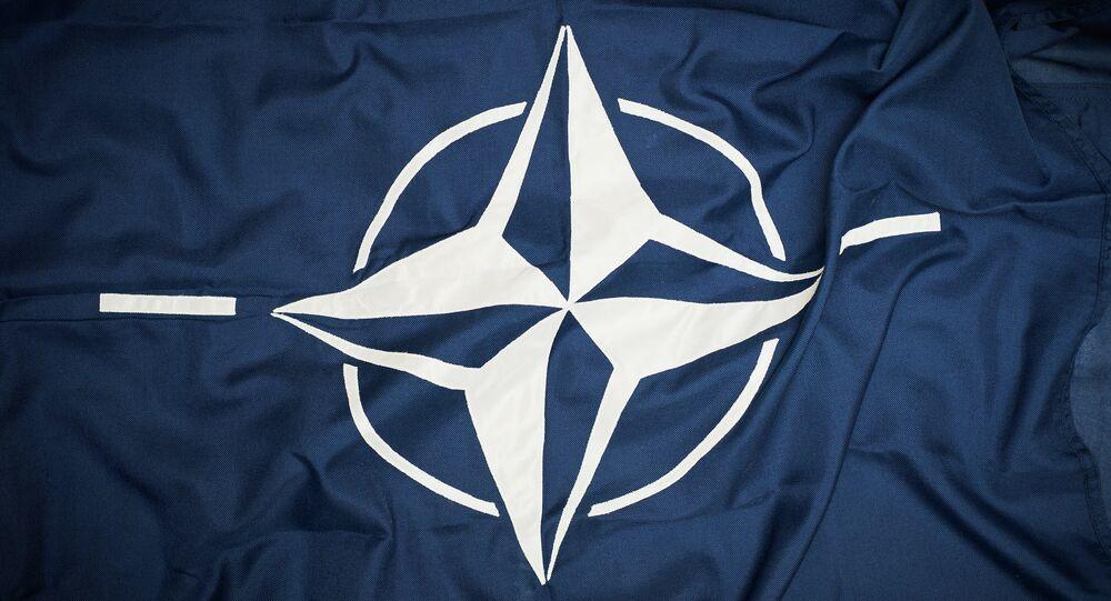 le drapeau de l'Otan