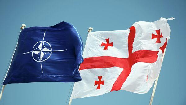 Флаги НАТО и Грузии - Sputnik France
