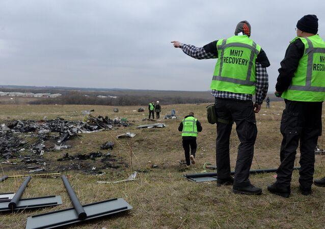 Des experts néerlandais sur le lieu du crash du MH17