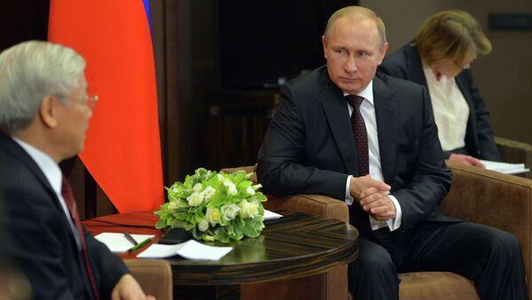 Nguyen Phu Trong et Vladimir Poutine à Sotchi - Sputnik France