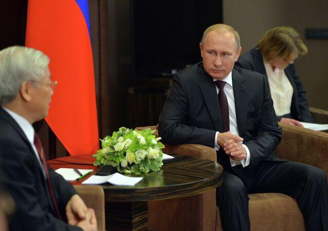 Nguyen Phu Trong et Vladimir Poutine à Sotchi