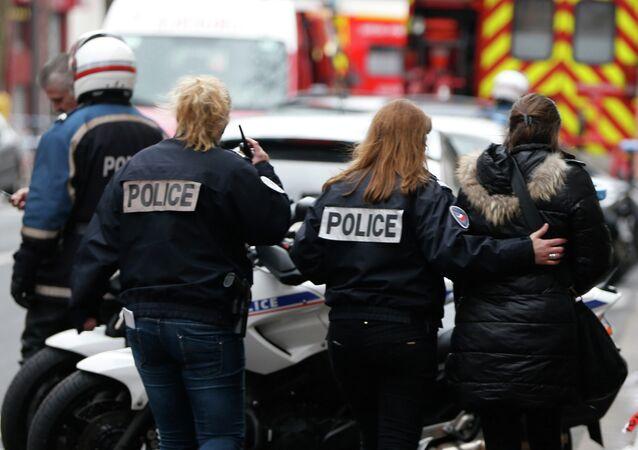 Полиция на месте стрельбы в Париже